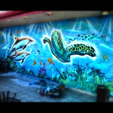 Ocean mural at Aqua Breeze Hotel in Santa Cruz.